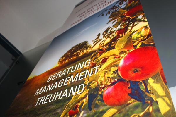 Rheindorf Stiftungsmanagement Roll Up, Print Design von DESIGN B3 Werbeagentur Leverkusen